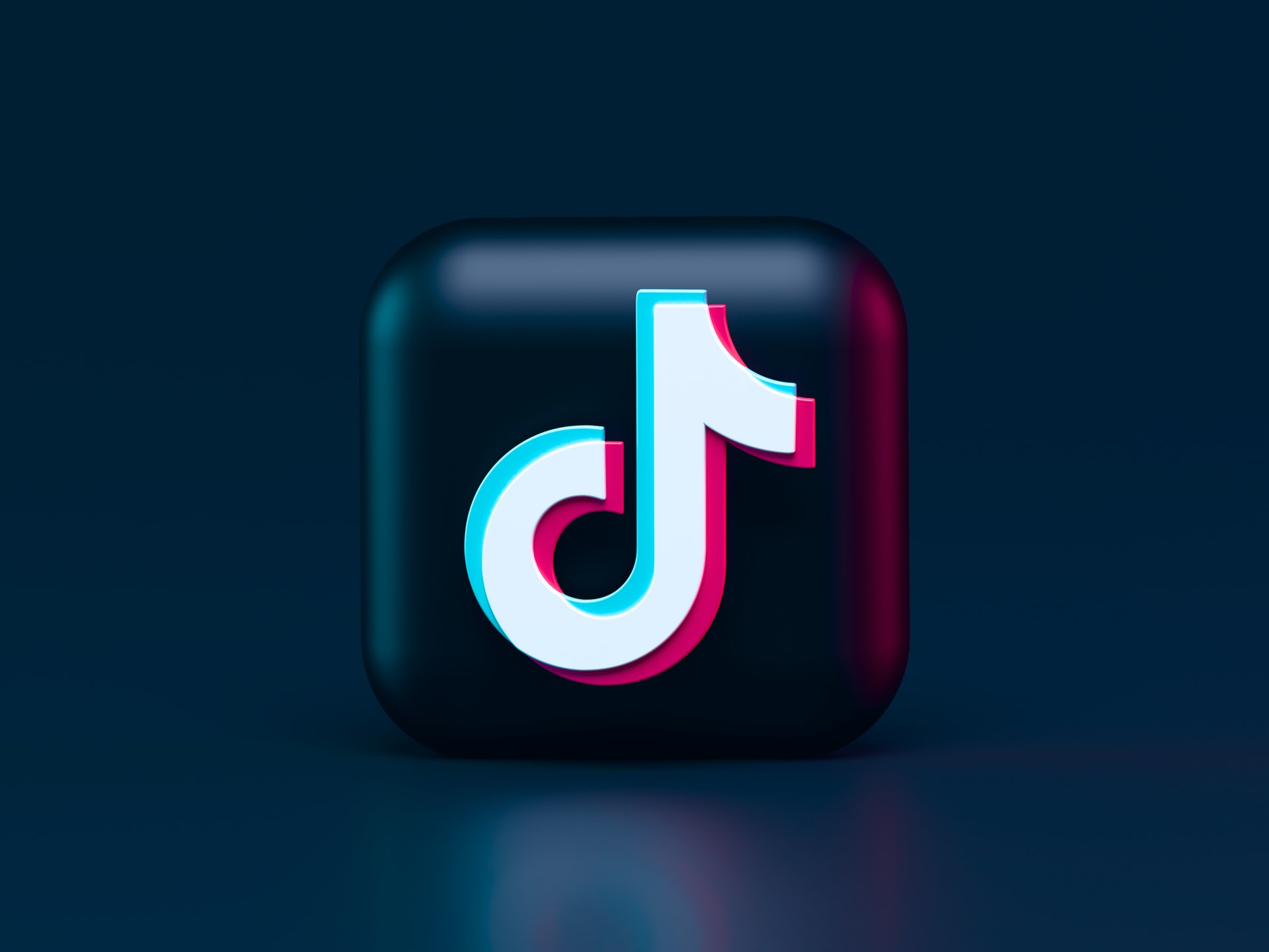 TikTok 3d Icon Concept. Dark Mode Style 🖤 Made the 3d icon of video-sharing social networking service owned by ByteDance.